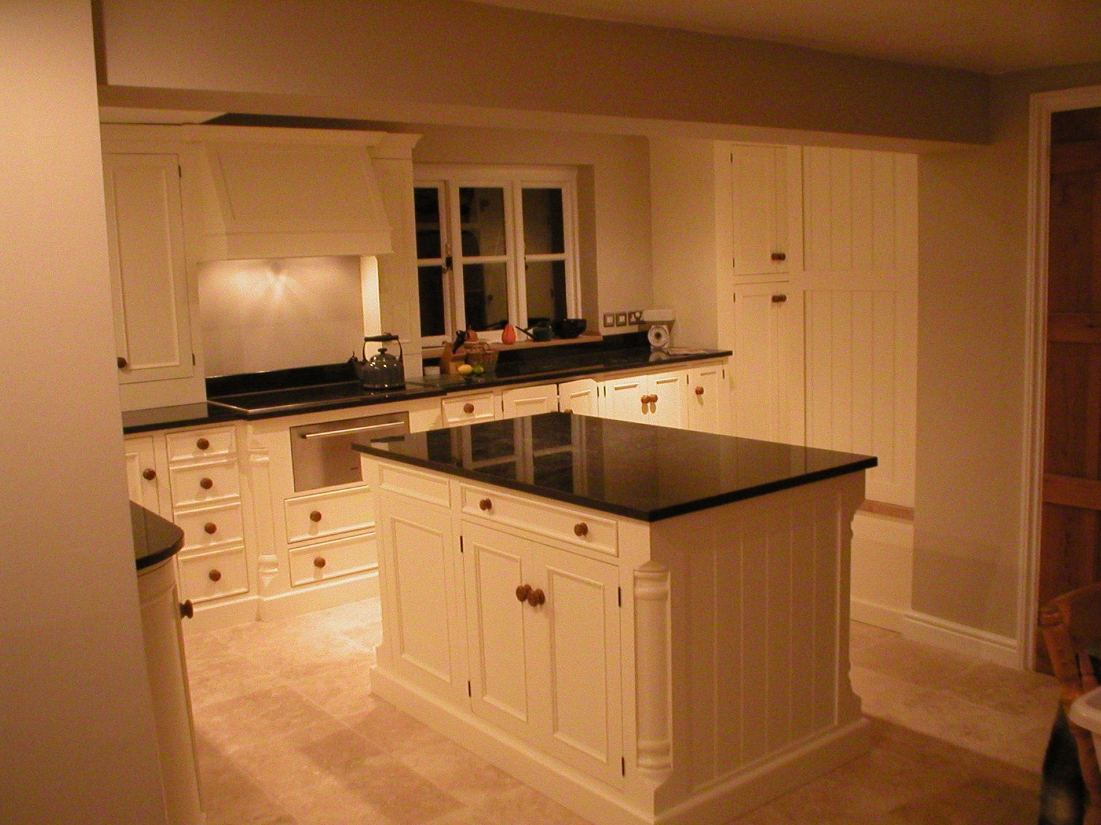 Bespoke kitchen aga handmade wooden design ideas photo for Kitchen unit design
